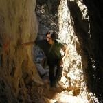 La famosa esquerda que cal creuar per arribar a Tiscali (Ùliena, Sardenya)